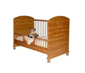 Giường cũi Teddy màu gỗ giúp bạn sử dụng thuận tiện, tiết kiệm và hiệu quả