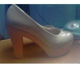Thanh lý gấp giày cao gót hot trend 11cm, size 36, đã sử dụng 1 lần giá 200k