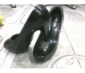 Thanh lí giày guốc giá rẻ