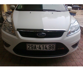 Bán xe Ford Pocus 1.8 AT mầu trắng 2011