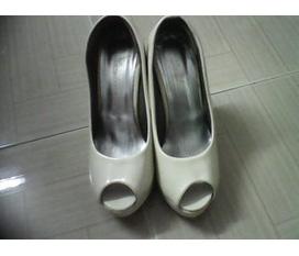 Thanh lý 2 em giày.... vào ủng hộ nhé các bạn