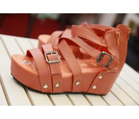 Casa Felice Shop : : Sandal đế xuồng hot nhất cho hè 2012
