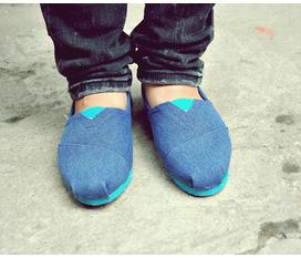 Chuyên bán các loại giày Toms, Toms Ren, các màu, các họa tiết giá Rẻ Nhất Enbac