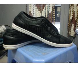 Thừa 2 đôi giầy Chuyển nhượng 2 đôi giầy cho chủ mới giá hợp lý đây