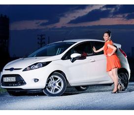 Cần bán xe Ford Fiesta 5 cửa, nhập khẩu, đã qua sd