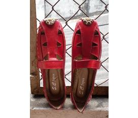 Duy nhất 1 đôi giày độc đáo và cá tính