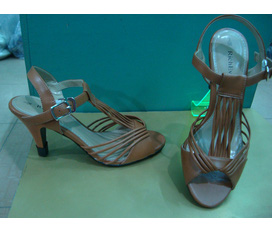 Giày cao gót Việt Nam xuất khẩu Dorothy giá 300k