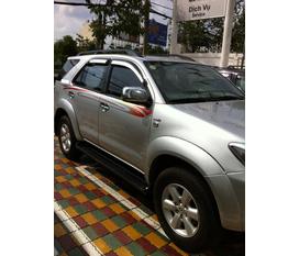 Cần bán 1 xe FORUNER G, màu bạc, tháng 5/2010, giá 715 triệu....... có hình