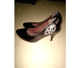 Bon chen em giày cao gót xinh xinh nhé Giá rẻ bất ngờ :