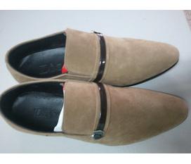 CSSX giầy da duy chinh chuyen bán buôn bán lẻ cho các cửa hàng chợ đồng xuân chợ sinh viên giá bán lẻ là 150k