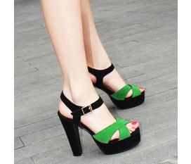 HOT đây vào xem ngay nào :x Topic 1: rất nhiều các mẫu giầy, sandals và dép hè :x