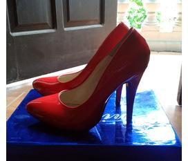 Thanh lý nhanh một em giày cao gót cực xinh nhé
