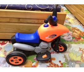 Thanh lý xe máy chạy điện ắc quy cho bé