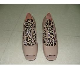 Giày cao gót xách tay, chất lượng đảm bảo, giá cả phải chăng