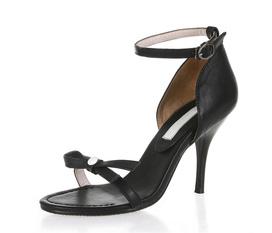 Sandal, giày xinh: LẠ và CHẤT. Duyên dáng nơi công sở. Xinh tươi khi xuống phố