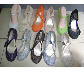 Giày đi mưa thời trang Size lớn Bán lẻ giá sĩ .