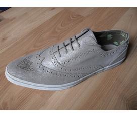 Giày xách tay UK
