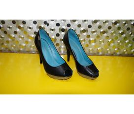 Shop Giày Duyên có nhiều mẫu mới, mời các bạn vào xem.