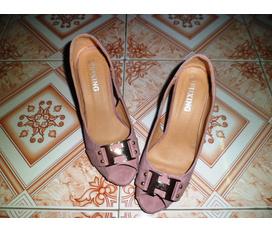 Thanh lý 2 đôi giày new 100%, size 38 và 39, cao 7cm và 3cm