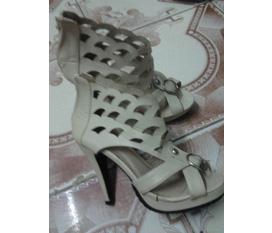Giày xinh chân xinh