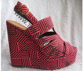 Bán 1 em giày cao gót vs gia rẻ
