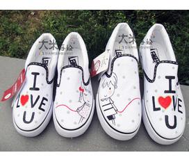 Giày vẽ tay ..... tiền vẽ 60k 1 đôi ... nhanh tay lựa mẫu để đặt vẽ thôi
