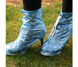 Giầy đi mưa bảo vệ đôi giầy xinh của bạn khỏi mưa gió.rất nhiều sản phẩm SIÊU GIẢM GIÁ