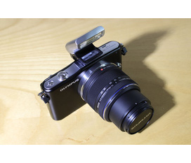 Bán máy ảnh ống kính rời không gương lật quay phim full HD Olympus Pen mini E PM1