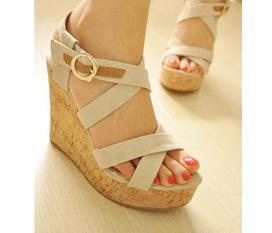 Giày cao gót, giày đế xuồng, dép summer,....Cùng vào sắm cho mình một đôi nàooo.