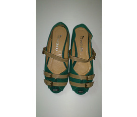 Giày dép thời trang giá rẻ từ 60k đến 200k. Giày búp bê, sandal, cao gót, dép lê... Website: http://leeleeshop.com