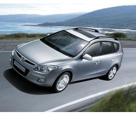 Cần bán Hyundai I30 Cw 2009, Full option, màu bạc. Giá tốt nhất