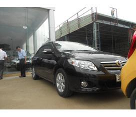 Toyota Corola Altis 1.8 màu đen sx 2010 tên tư nhân