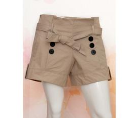 Chuyên bán buôn bán lẻ quần áo nữ thời trang, phong cách trẻ đẹp, có rất nhều mẫu để các bạn lựa chọn