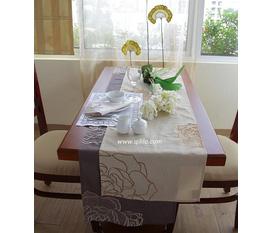 Khăn trải bàn và khăn trang trí bàn qilila