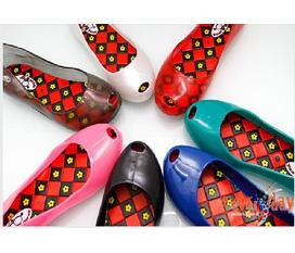 Chuyên sỉ lẻ giày Puca đi mưa nhiều màu đbiệt cho chọn size và màu theo y/c kh giá rẻ