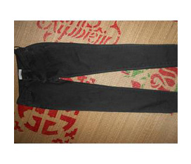 Bán gấp 1 jean skinny màu đen xám new 99,9%