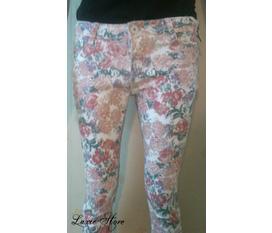 Điệu một chút với quần jeans skinny hoa chỉ với 320k