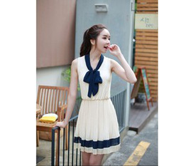 Đầm xinh dạo phố giá hót