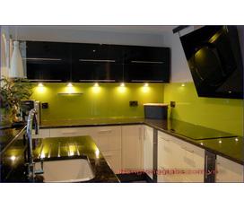 Đông Nam Glass. Chuyên sản xuất,lắp đặt Kính màu ốp bếp,ốp tường. LH Mr Vinh 0975110018