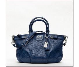SIÊU KHUYẾN MÃI 10% 80% hàng hiệu MỸ từ Shop Zeta Coach, Dkny, Cole Hann, Talbot, VInce...