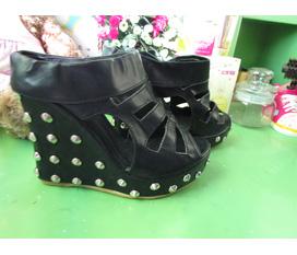 Giày Quảng Châu chất lượng tốt Hot trend giá sale cực rẻ cho các nàng