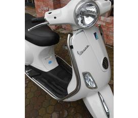 Piagio vetpa LX mầu trắng đời cao khóa từ nguyên 2 chìa gốc, chân chống điện an tòan , chính chủ cần tiền bán lại