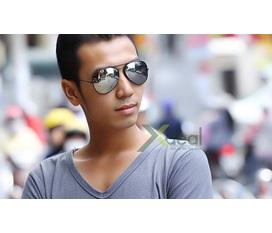 Mắt kính tráng gương Rayban Noo thời trang và phong cách dành cho những anh chàng sành điệu.