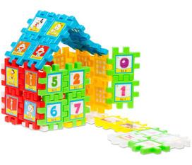 Bé tập làm kỹ sư với bộ xếp hình hình vuông kỳ diệu 40 chi tiết.