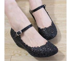 Giày nhựa đen cao 3p :x tuyệt đẹp giá chỉ 80k