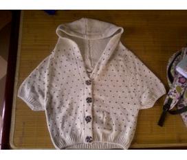Duy nhất 1 áo khoác len cánh dơi cực xinh màu kem ấm áp