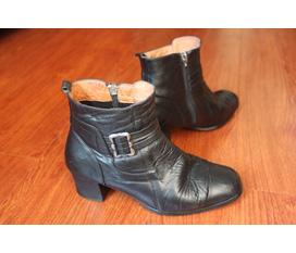 Bán hai combat boots cực chất, 1 Ankle boots và 1 giày cao gót,hàng chất lượng giá tốt