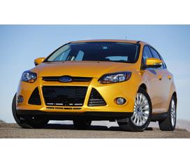 FORD FOCUS 1.8 MT/FOCUS 1.8 AT 5 cửa/FOCUS 2.0 AT 4 cửa đủ màu.Giao xe ngay tại Ford Thủ Đô