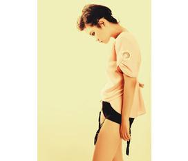 Áo ngắn tay thêu hoa của TuDinh Projects
