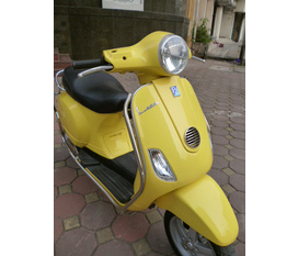 Cần bán xe LX Việt Nam SX.mầu vàng thời trang.biển 30L5.có Ful hình...giá 40 triệu.